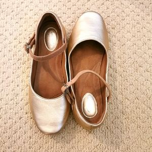 Clarks golden ballerina shoes s8